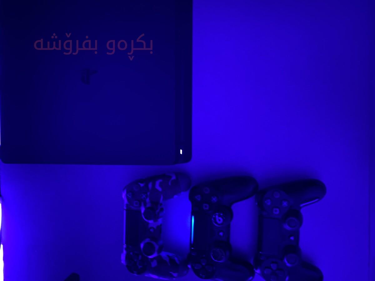 Playstaytion4 Slim 1000GB region1